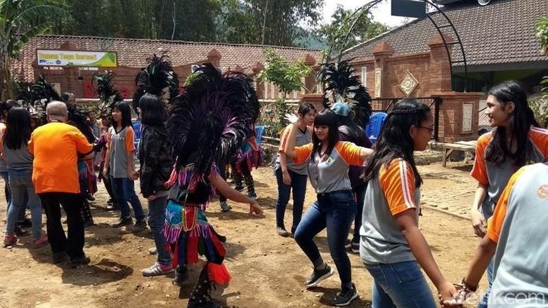 Foto: Kegiatan seni di Desa Menari, Kabupaten Semarang (Eko Susanto/detikTravel)