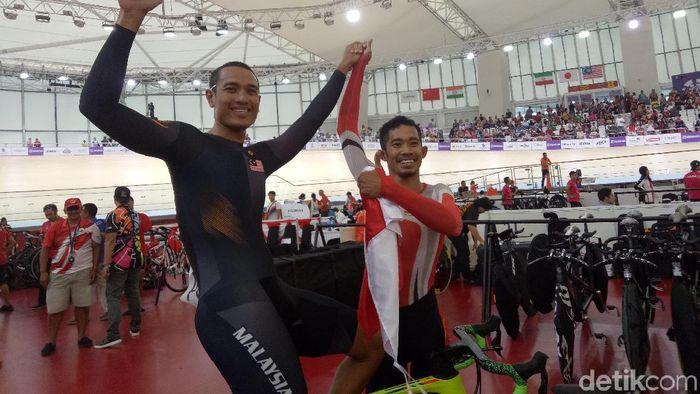 M. Fadli melakukan selebrasi usai memastikan emas Asian Para Games 2018 (Amalia Dwi Septi/detikSport)