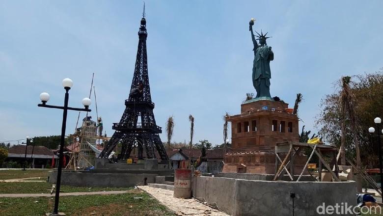 Foto: Miniatur Menara Eiffel dan Patung Liberty di Boyolali (Ragil Ajiyanto/detikTravel)
