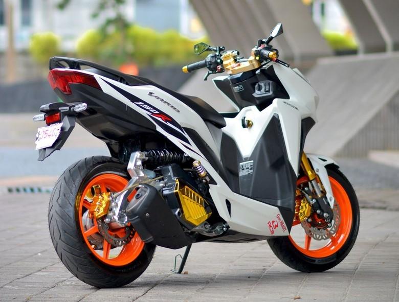 Modifikasi Motor Vario 150 Ring 14 Honda