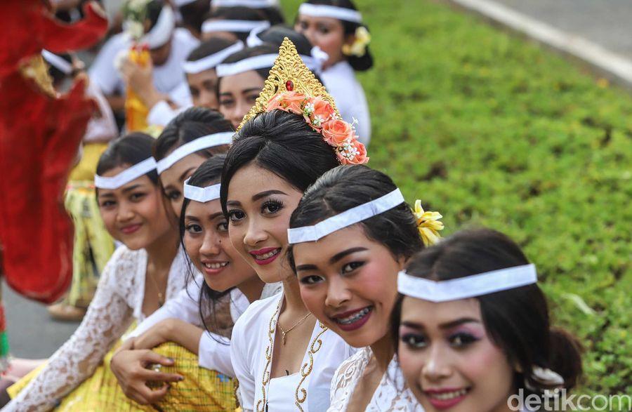 Masyarakat Bali sudah sejak lama terkenal akan keramahtamahannya. Dengan senyuman manis, delegasi IMF-World Bank dari berbagai negara siap disambut di Pulau Dewata. (Rachman Haryanto/detikTravel)