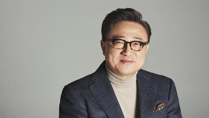 DJ Koh, CEO Samsung Mobile, blak-blakan soal masa depan ponsel lipat dari vendor asal Korea Selatan ini yang sudah semakin dekat. Foto: Samsung