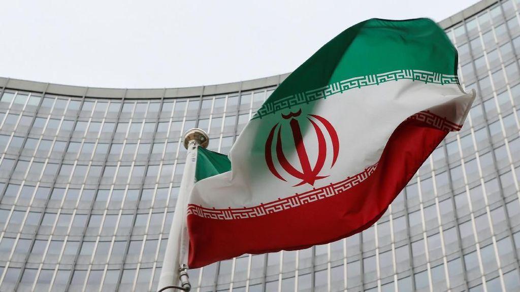 Iran Sahkan Aturan Pelarangan Penggunaan Teknologi Buatan Israel