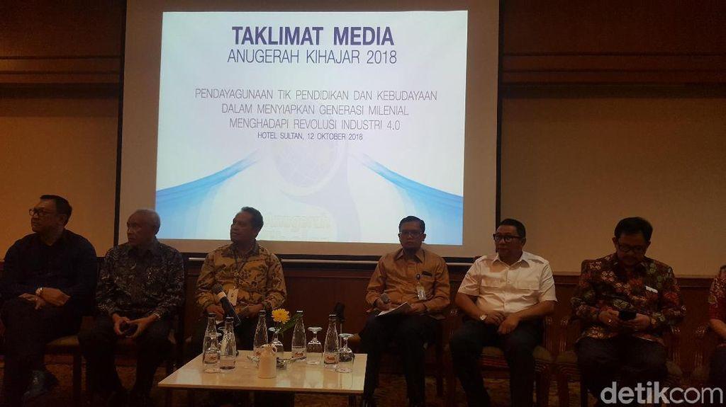 Ridwan Kamil hingga Pakde Karwo Raih Anugerah Kihajar dari Kemdikbud