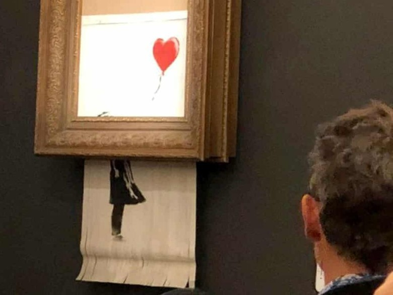 Lukisan Banksy Rp 20 M Kini Punya Nama Baru Love is in the Bin