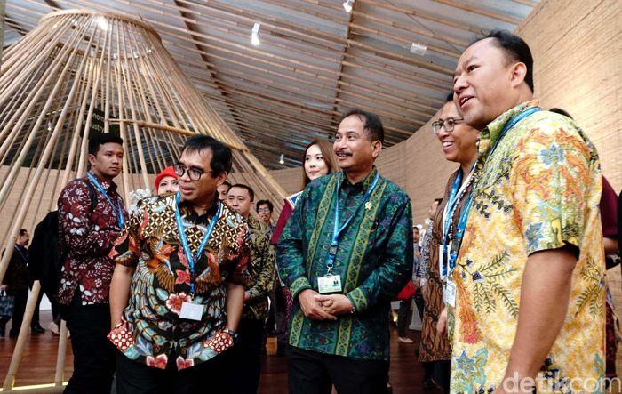 Pembangunan 10 destinasi wisata Bali Baru itu pun akan terus dikebut meski tak semua pengembangan kawasan tujuan pelancong ini berjalan mulus. Menurutnya, sejauh ini baru Mandalika, yang jadi destinasi relatif paling cepat dibanding lokasi lain.