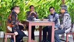 Gaya Jokowi Ngopi Santai di IMF-WB Bali