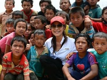 Ia sering banget ikut kegiatan amal yang berhubungan dengan anak-anak. (Foto: Instagram/michelleyeoh_official)