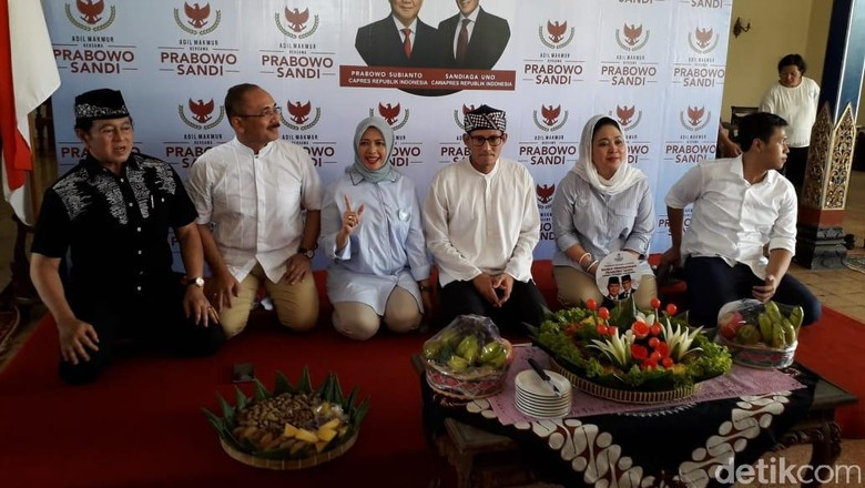 Sandiaga Resmikan Posko Pemenangannya di Rumah Keluarga Soeharto