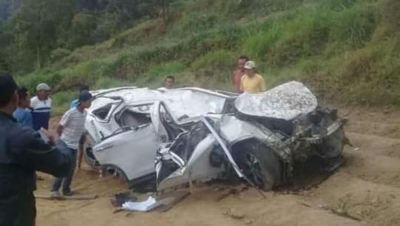 Detik-detik Mobil Rini Puspitawati Terjun ke Jurang Sarangan