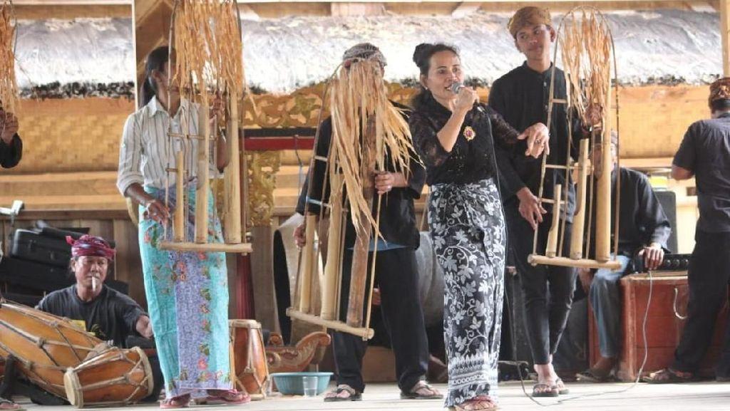 Upacara Adat Syukur Bumi Jadi Pembuka Festival Geopark Ciletuh
