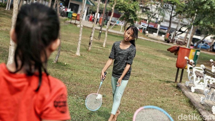 Olahraga bareng keluarga juga bisa jadi cara sehat menyenangkan di akhir pekan. (Foto ilustrasi: Pradita Utama)