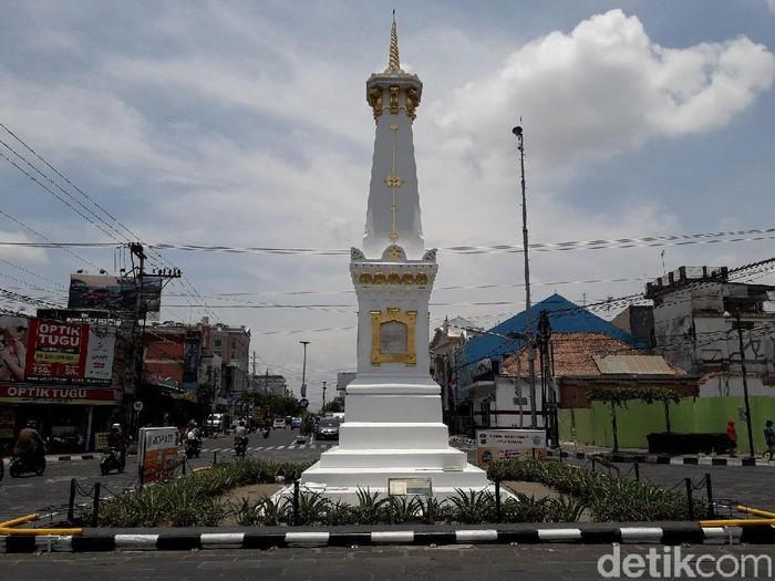 Tugu Yogyakarta di hari tanpa bayangan pukul 11.24 WIB, Sabtu (13/10/2018).