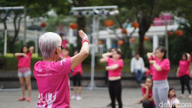 Dance sehat SADARI komunitas Lovepink