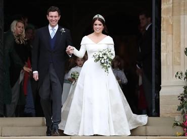 Tahu nggak, Bun? Suasana pernikahan mereka seperti di negeri dongeng lho. (Foto: Steve Parsons - WPA Pool/Getty Images)