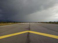 Setelah diperbaiki, panjang runway menjadi 2.250 meter