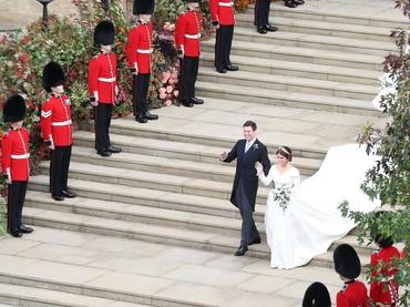 Sah! Jack dan Putri Eugenie sudah resmi menjadi sepasang suami istri. (Foto: Andrew Matthews - WPA Pool/Getty Images)