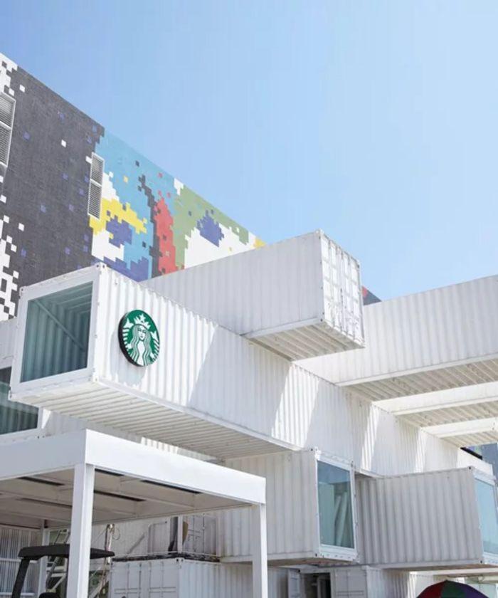 Gerai Starbucks ini dibangun oleh arsitektur Jepang, Kengo Kuma. Istimewa/designboom.com.