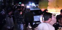 Warga menghentikan mobil becat putih yang dibawa kabur pencuri.