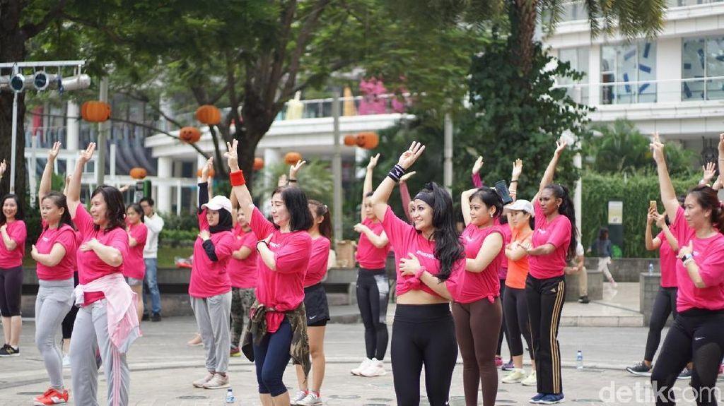 Serba Pink di Central Park, Zumba Bareng Sambil Kampanye Kanker Payudara