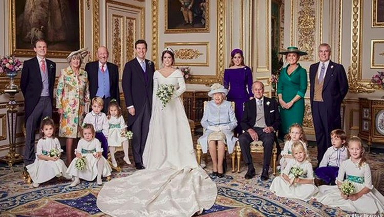 Tips Foto Keluarga Ciamik Seperti di Pernikahan Putri Eugenie