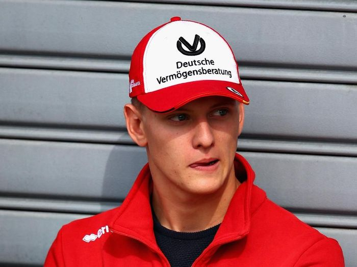 Mick Schumacher juara Formula 3. (Foto: Mark Thompson/Allsport Getty Images)