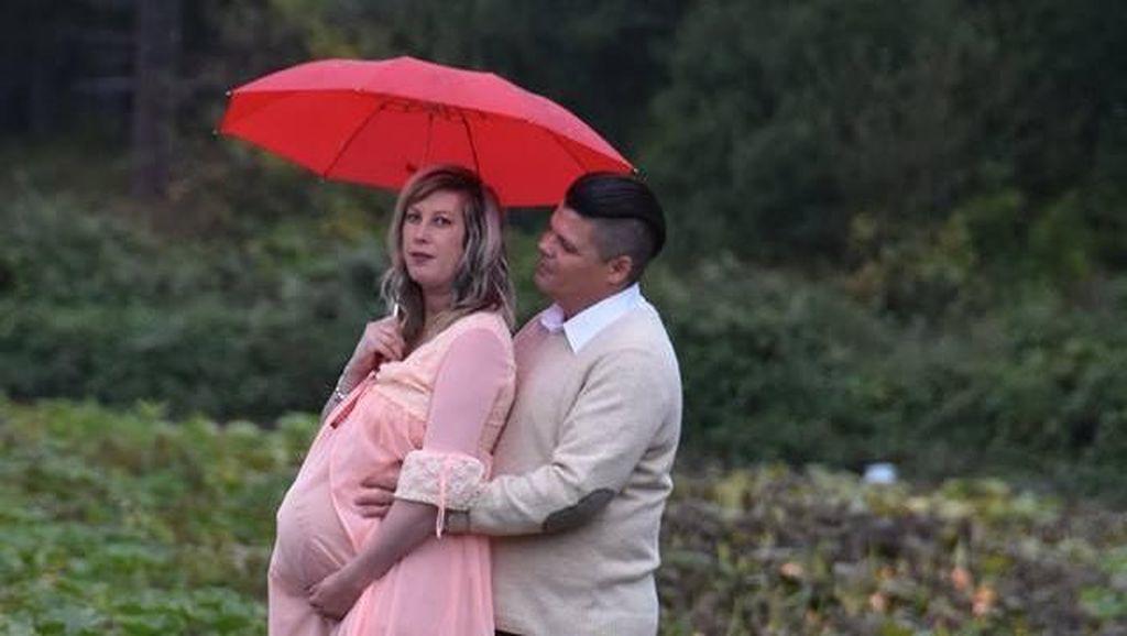 Hiii Seram! Foto Kehamilan Pasangan Bertema Alien Ini Viral