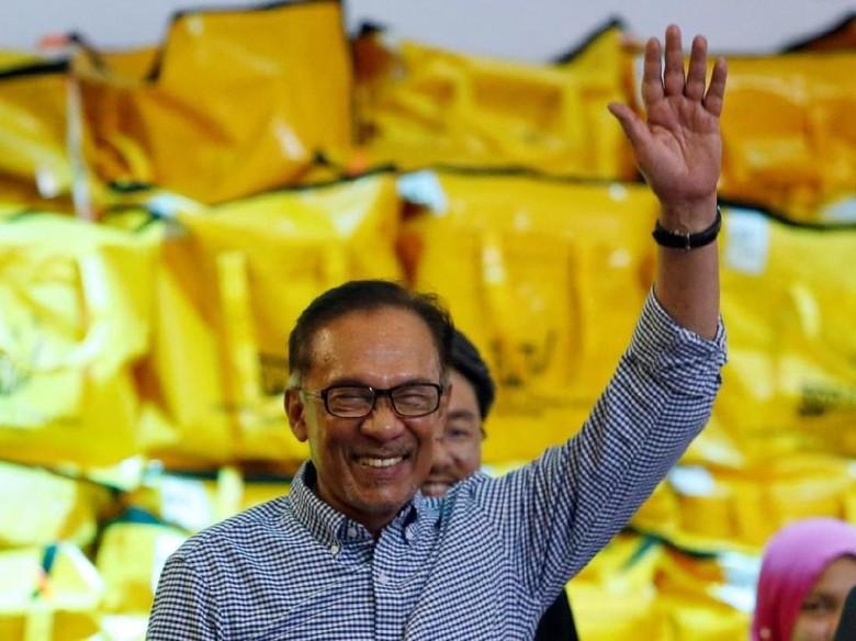 Menang Pemilu Sela Malaysia, Anwar Ibrahim Selangkah Lagi Jadi PM