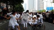 Aksi Nyeni Penyandang Difabel di Thamrin