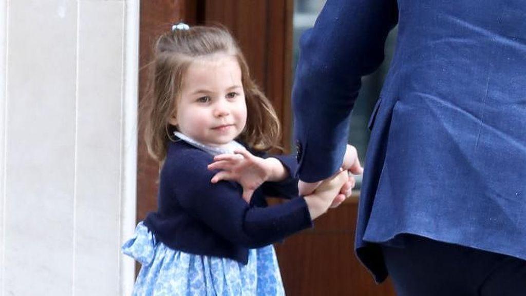 Curhat Pangeran William Kesulitan Mengucir Rambut Putri Charlotte