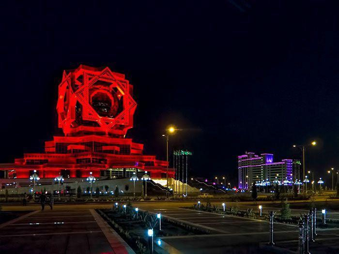 Bangunan tampak seperti markas penjahat super, padalah gedung ini adalah gedung pernikahan yang ada di Ashgabat di Turkmenistan Istimewa/Boredpanda.