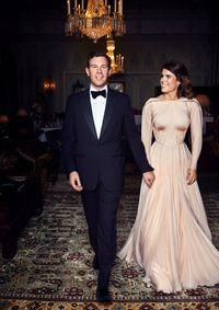 Gaun Keemasan Putri Eugenie untuk Resepsi Pernikahan Dobrak Tradisi Istana