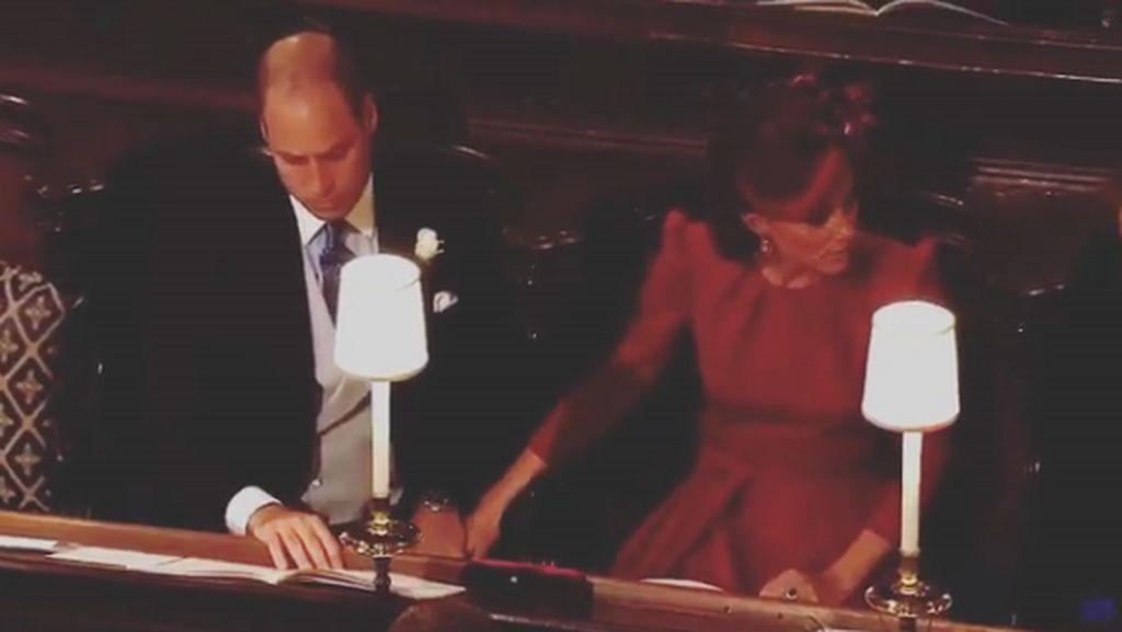 Ehem, Pegang Tangan Diam-diam ala Pangeran William