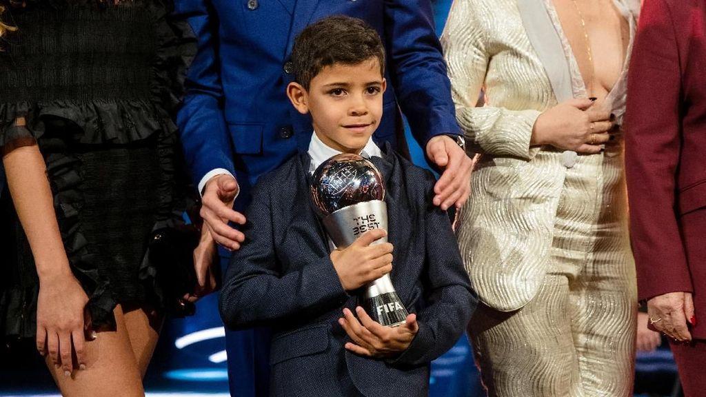 Like Father, Like Son: Anak Cristiano Ronaldo Cetak 2 Gol Brilian
