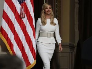 Saat Ivanka Trump Pakai Baju Karya Desainer Anti-Trump