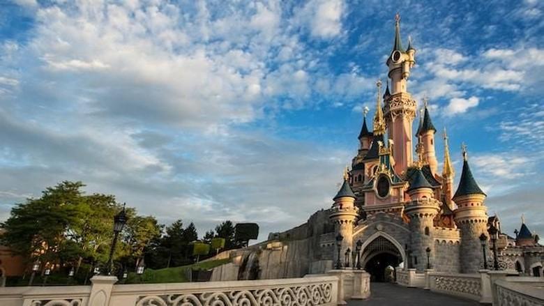 Mbappe dkk di Disneyland Paris