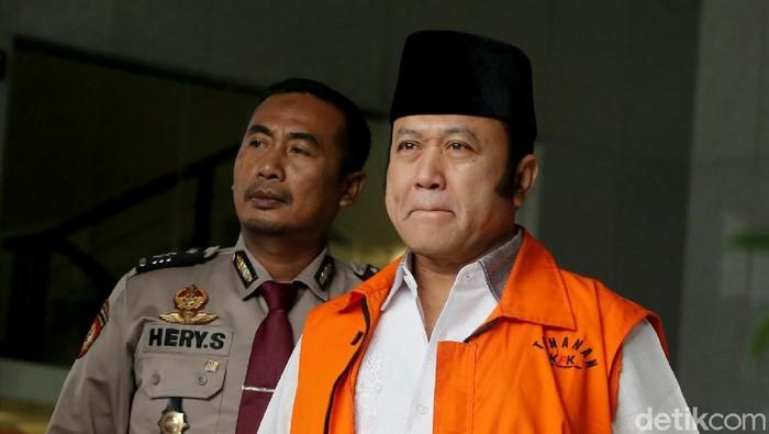 Bupati nonaktif Lampung Selatan Zainudin Hasan jalani pemeriksaan lanjutan KPK. Ia diperiksa sebagai tersangka kasus suap proyek di Lampung Selatan.
