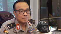 Polisi-Bawaslu Usut Pemasangan Spanduk JKW Bersama PKI di Jakpus