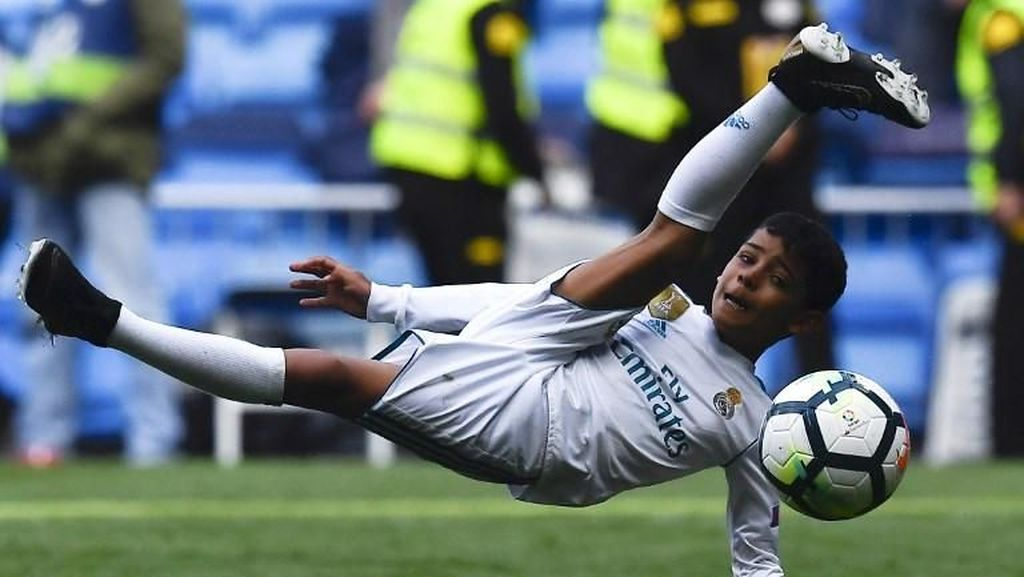Begini Aksi-aksi Spektakuler Anak Cristiano Ronaldo
