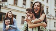 Niat Ingin Romantis dengan Gendong Pacar, Aksi Pria Ini Berakhir Miris