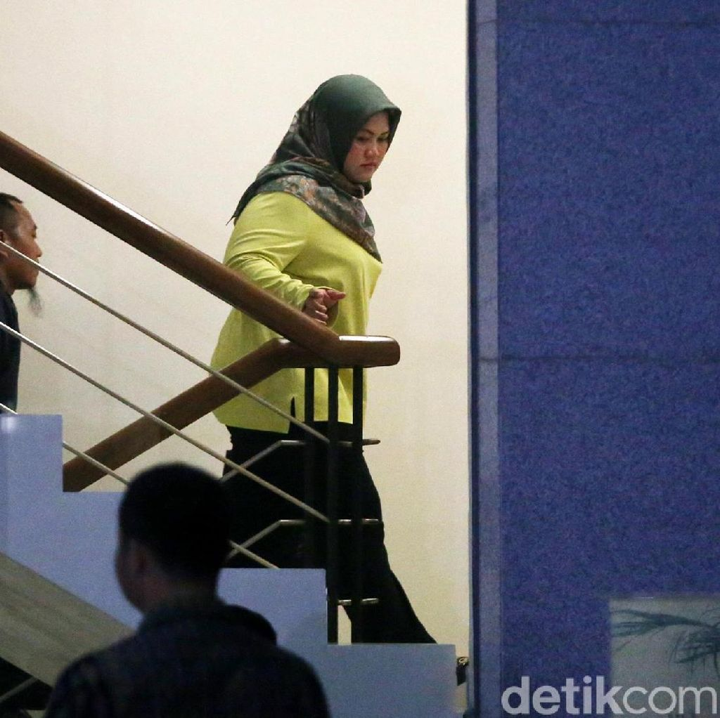 Bupati Bekasi Nonaktif dari Ketua DPD PG, Dicoret dari TKD Jokowi
