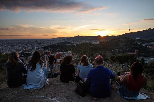 Spanyol menawarkan aneka objek wisata petualangan dan kuliner yang lezat (Jack Taylor/Getty Images)