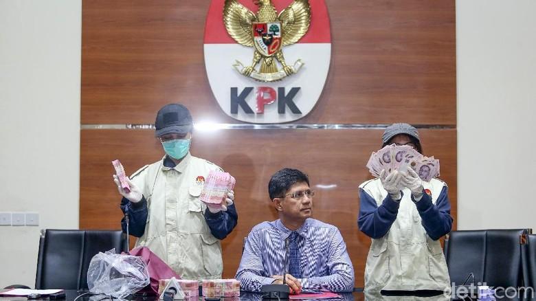 Catatan Penting OTT Pejabat Pemkab Bekasi yang Mengejutkan