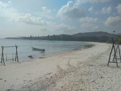 Kabupaten Buru Punya Pantai Cantik Berpasir Putih