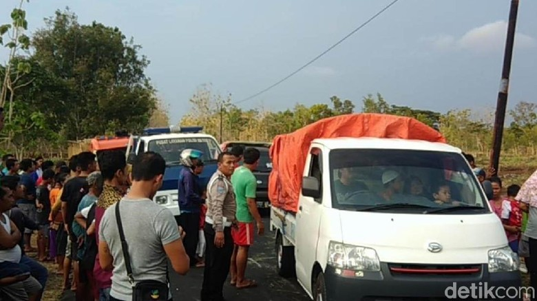 Truk Angkut Pakan Ternak Terguling di Gunungkidul, 4 Meninggal