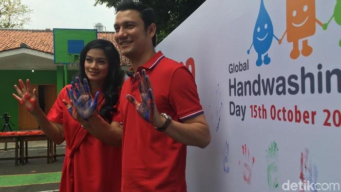 Pasangan selebriti Titi Kamal dan Christian Sugiono (Foto: Frieda Isyana Putri)
