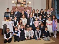 Mengenal Roman Avdeev, Pengusaha Muda yang Punya 23 Anak