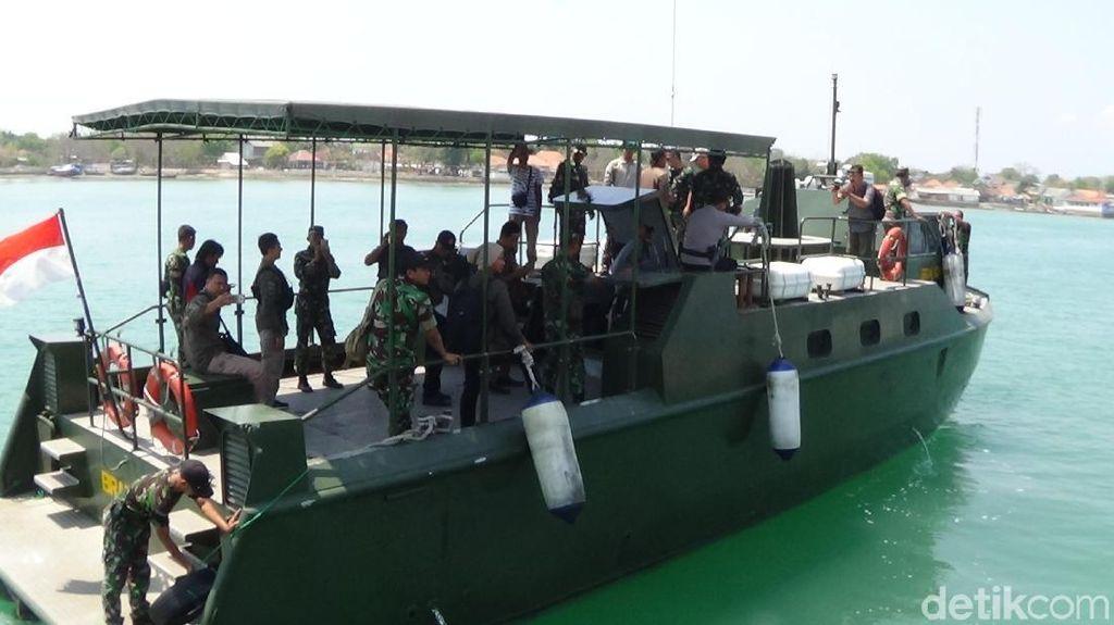 Bantu Korban Gempa Situbondo, Polisi-TNI Tambah Personel ke Sumenep