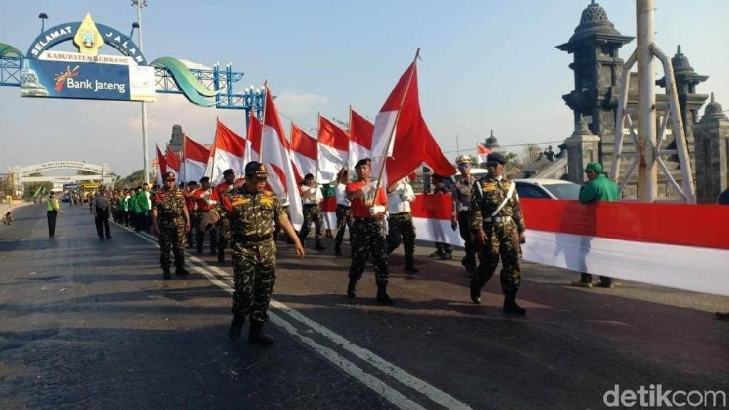 Masuk Jateng, Kirab Satu Negeri Disambut Merah Putih 1 Km