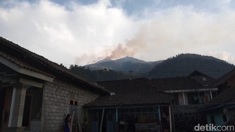 Luas Lahan di Gunung Merbabu yang Terbakar Capai 100 Ha